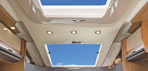 SunTI_Highlights_PanoramaSunroof_04